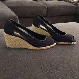CHAPS Woman's rope heel wedges (Black) size 9
